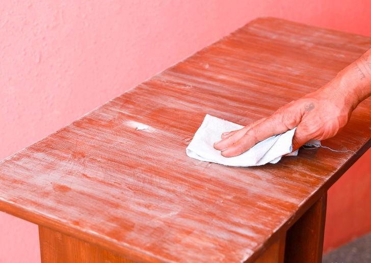 Как самостоятельно восстановить лаковое покрытие старой мебели